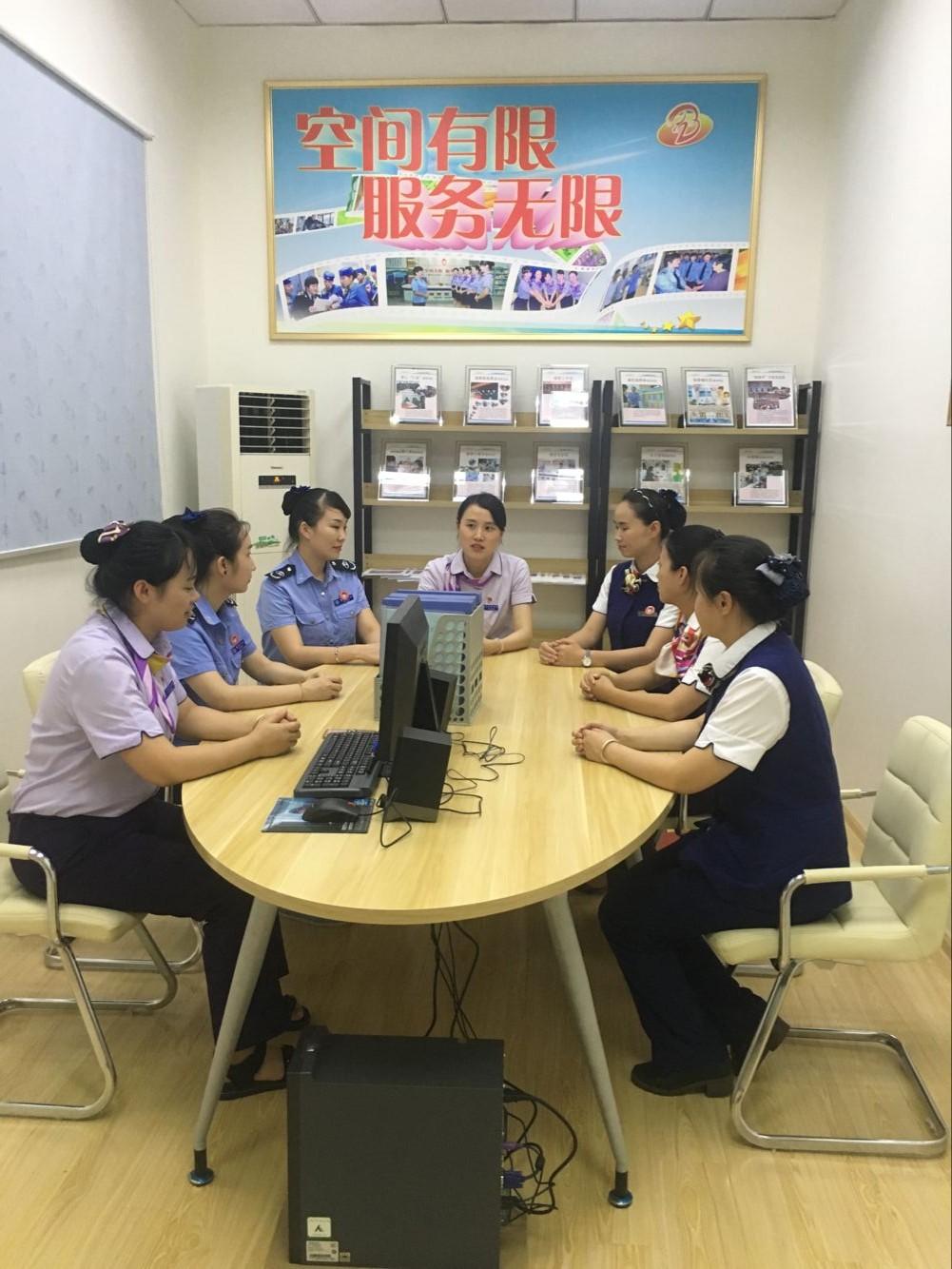 """汽�\集�F�M��_(kai)展""""向上(shang)向善好青年"""" 故事分享��"""